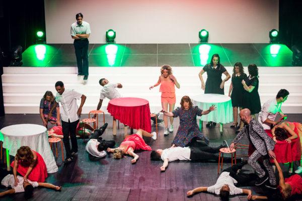 http://www.lartscene-theatre.fr/wp-content/uploads/2018/10/bataille-600x400.jpg
